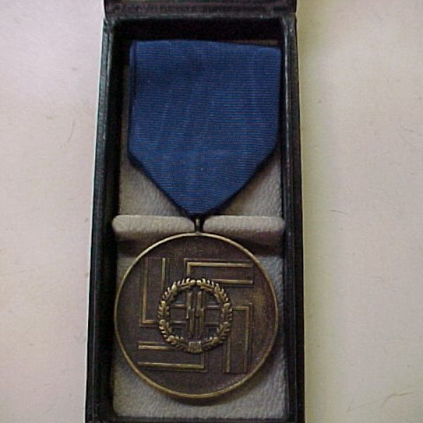 CASED SS 8 YEAR SERVICE MEDAL
