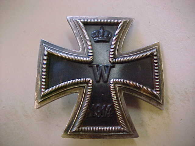 WW1 IRON CROSS 1st CLASS VAULTED PILLOW BACK AWS