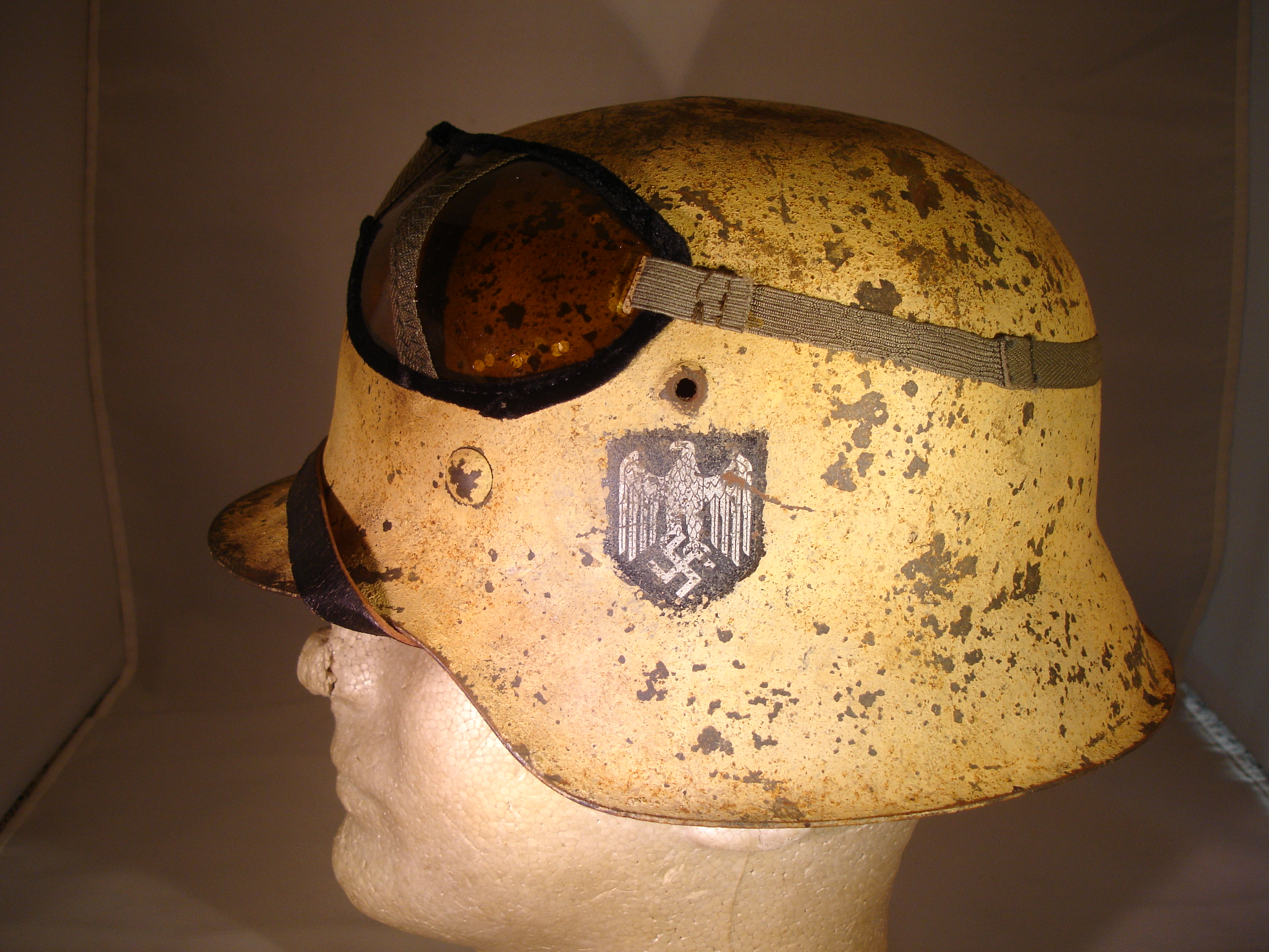 AFRIKA KORPS ARMY CAMO M42 HELMET WITH GOGGLES