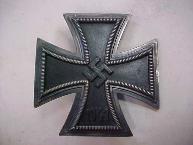 IRON CROSS 1st CLASS RUSSIAN SOVIET PROPAGANDA FOR MURDER AND ROBBERY  FUR RAUB UND MORD